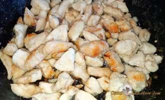 приготовление салата цезарь с курицей