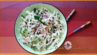 салат из креветок простой и вкусный, легкий салат +с креветками