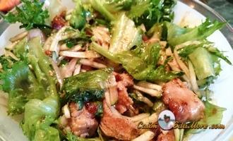 салат с огурцом и мясом соевым