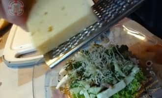 Морской коктейль в бутерброде с сыром и соленым огурцом рецепт с фото