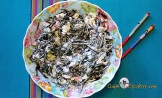 как приготовить салат из морской капусты, салат из консервированной морской капусты, вкусный салат из морской капусты с яйцом, салат из огурцов морской капусты, салат морская капуста с яйцом и огурцом, салат крабовые палочки морская капуста рецепт,