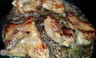 вкусно пожарить мясо кусочками, пожарить мясо на сковороде с луком вкусно