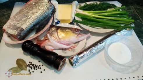 какую рыбу запечь в фольге, вкусная рыба в фольге, рыба в фольге температура, запекание рыбы в фольге в духовке