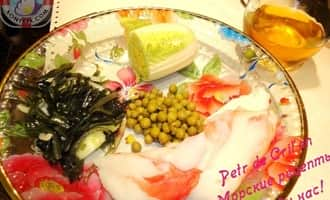 Крабовый салат с морской капустой. Ингредиенты
