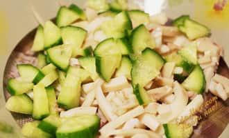 салат кальмары с огурцом рецепт с фото, салат с кальмарами и огурцом фото