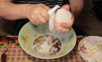 салат из свежих кальмаров простой и вкусный, салат из кальмаров простой и вкусный видео