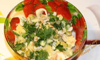 салат из кальмаров с огурцом и яйцом, салат с кальмаров и огурцов рецепт