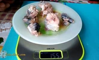 скумбрия с добавлением масла, салат +из скумбрии +в масле
