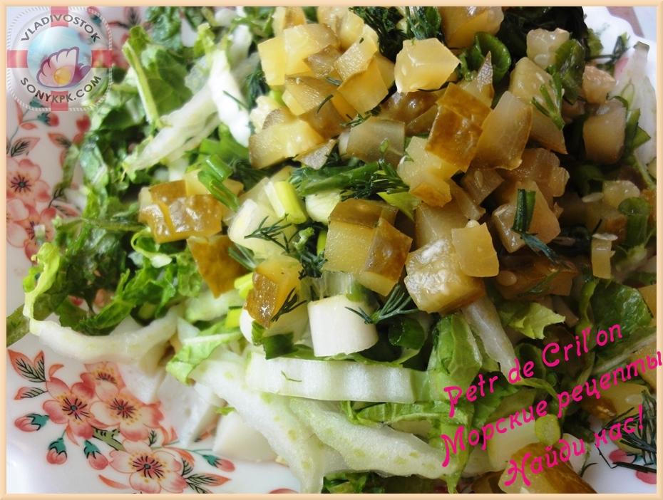 Крабовый салат с горошком